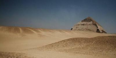 В Египте туристам разрешили посещать «ломаную» пирамиду