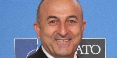 Глава турецкого МИД по-русски пригласил в страну российских туристов
