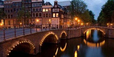 В Амстердаме хотят запретить Airbnb и поднять туристический налог