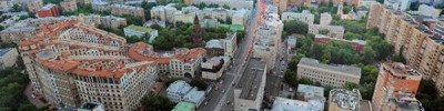 Власти Москвы просят закрыть летние веранды из-за ветра