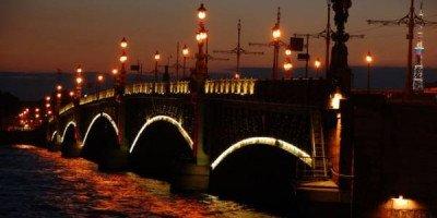 Туристы назвали самые романтичные города России