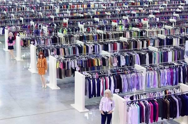 Фото СМИ: H&M ежегодно сжигает тонны новой одежды
