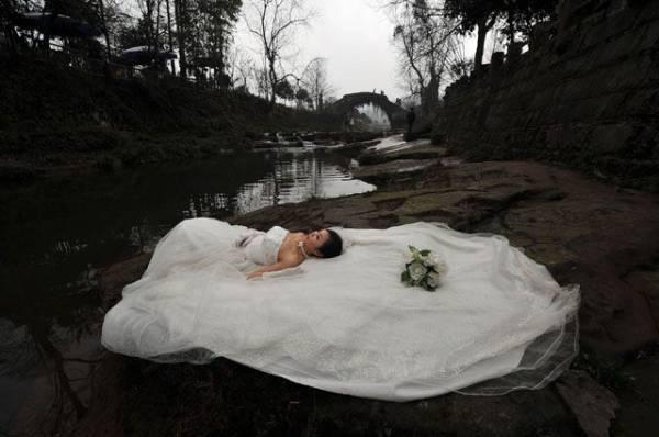 Фото Свадьба мертвецов. Как в Китае девушек превращают в невест… для трупов