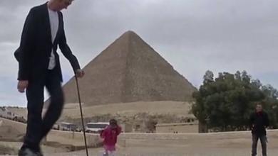 Photo of Самый высокий мужчина и самая маленькая женщина встретились в Египте