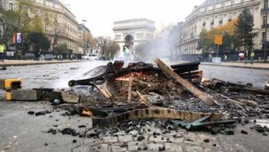 Фото Представитель «желтых жилетов» призвал протестующих не приезжать в Париж