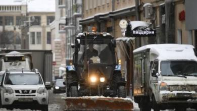 Фото На улицы Москвы выведены около 7 тыс. единиц снегоуборочной техники