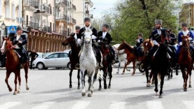 Фото В Чечне стартовал массовый конный поход во главе с Кадыровым