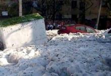 Фото В Мексике город покрылся метровым слоем льда после сильного града