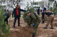 Фото Памятная акция. В Оренбурге появился свой сад для героев