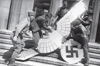 Фото «Евреи уехали на море». Правда ли немцы при Гитлере не знали о концлагерях?